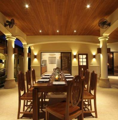 Villa2 - Outside Dining Area