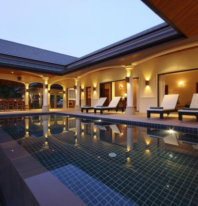 Poolside Terrace with Outside Dining Area