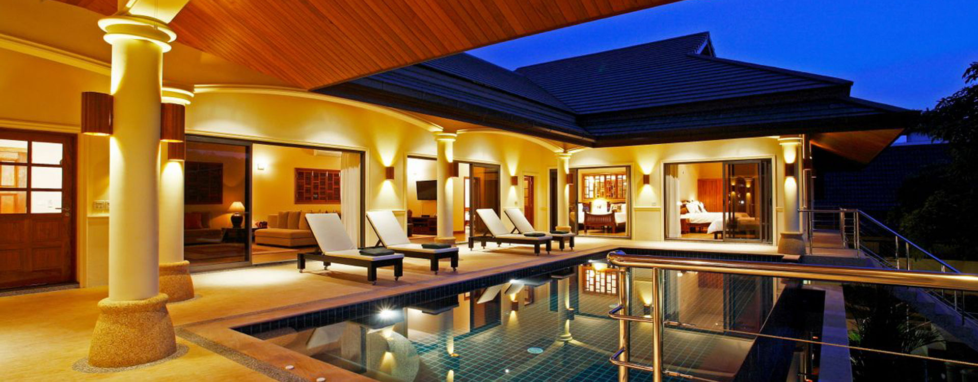 Villa2 Pool at Night