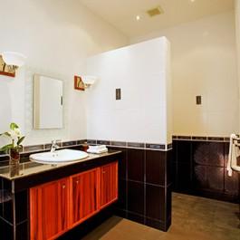 Villa2 - Bathroom 1