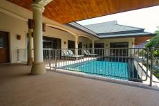 Villa 2 - Pool Railings