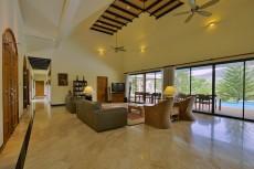 Villa 1 - Lounge Area